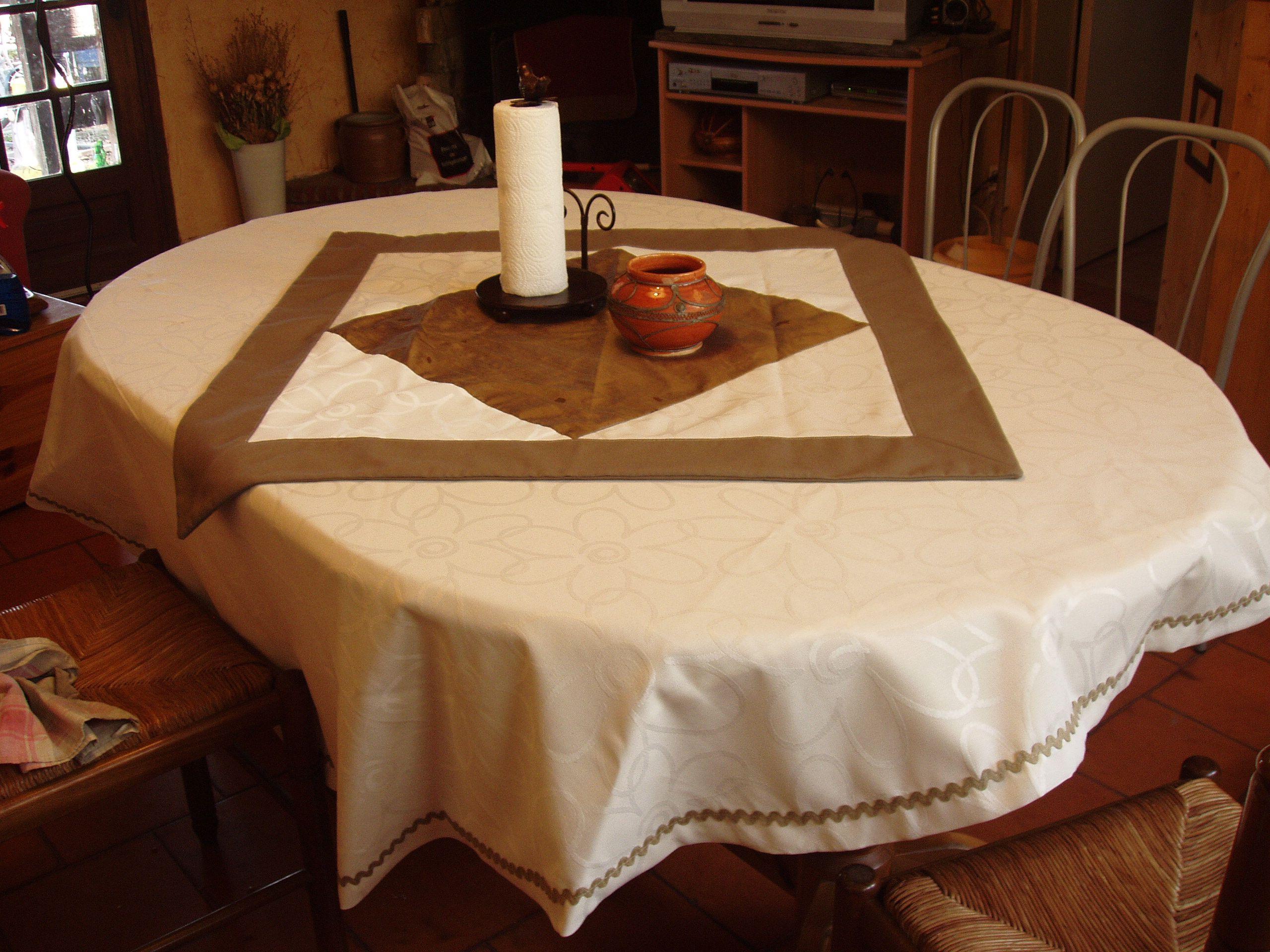 nappes et sur nappes. Black Bedroom Furniture Sets. Home Design Ideas
